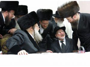 Reb Ben Zion Shenker (R) with the Modzhitzer Rebbe, shlita.