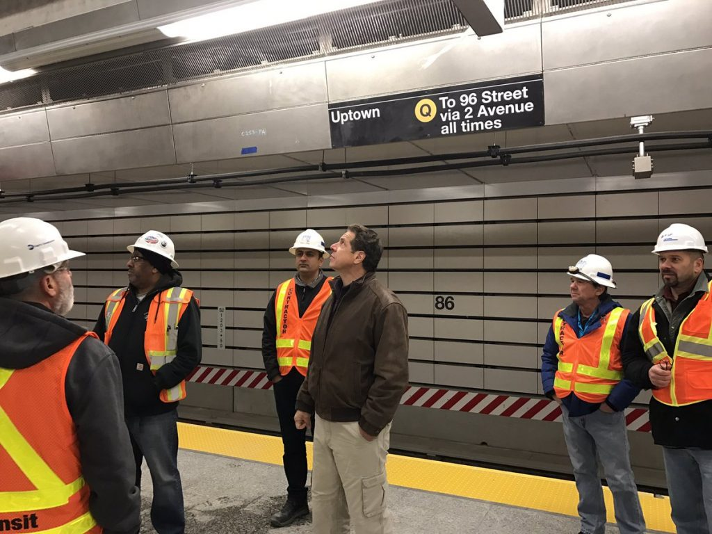 Gov. Cuomo touring the 86th Street station. (Office of Gov. Cuomo)