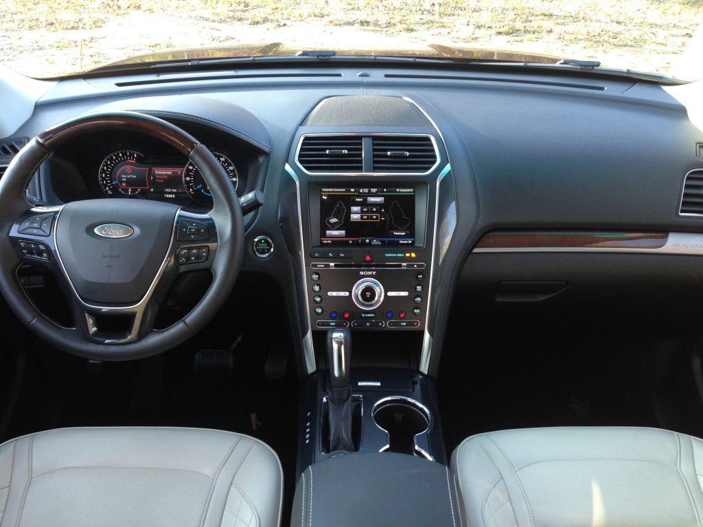 Auto Car Ford