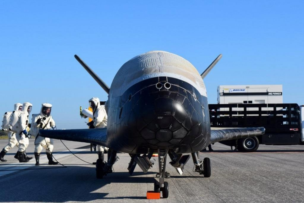 Unmanned, U.S. Air Force, Space Plane, Secret, 2-Year Mission