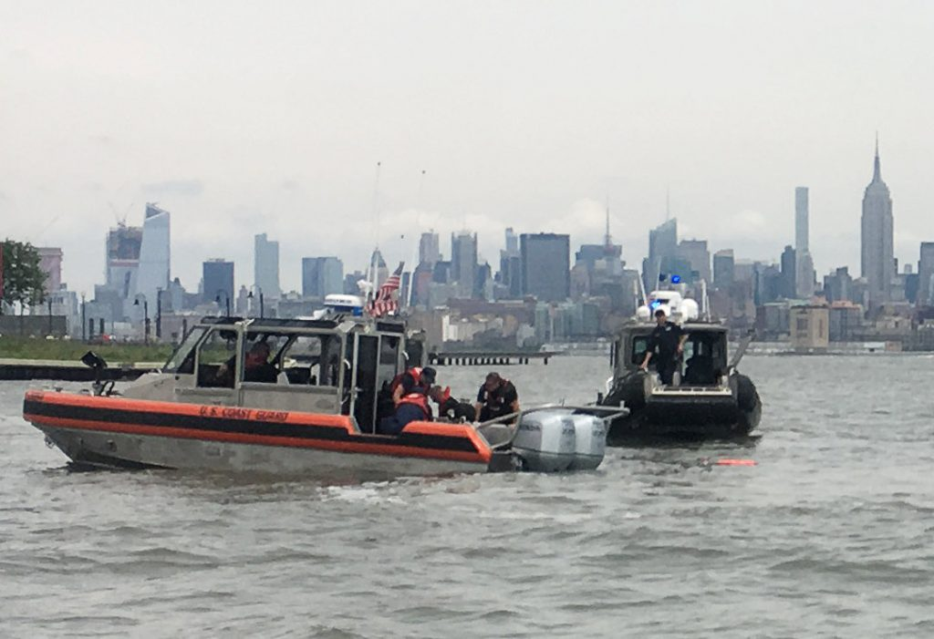 U.S., Navy Skydiver, Killed, Parachuting Accident, New York Harbor