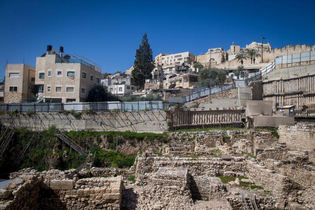 Landfill, Dig, Reveals, Ancient, Jewish, Dietary Habits