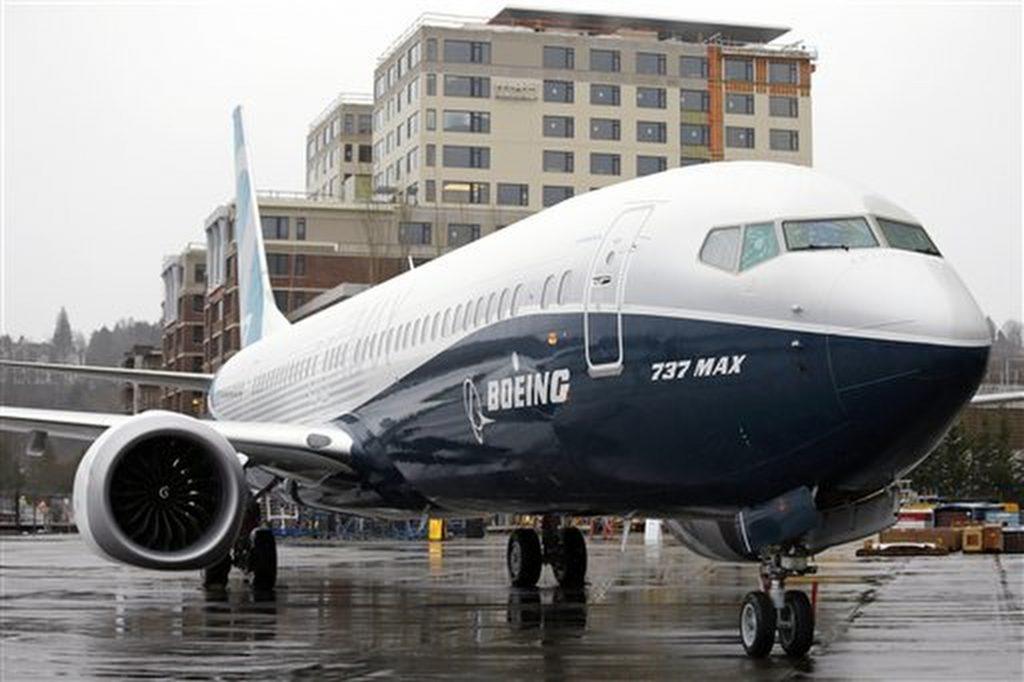 Boeing, Halts, Test Flights, New Plane, Engine Issue