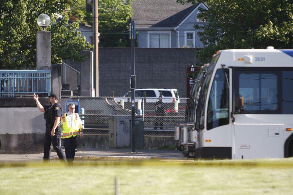 Portland, Mayor, Heroes, Died, Protecting, Women, Anti-Muslim, Rant