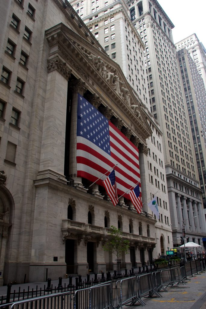 U.S., Stocks, Mostly Higher, Midday Trading, Oil, Recovers