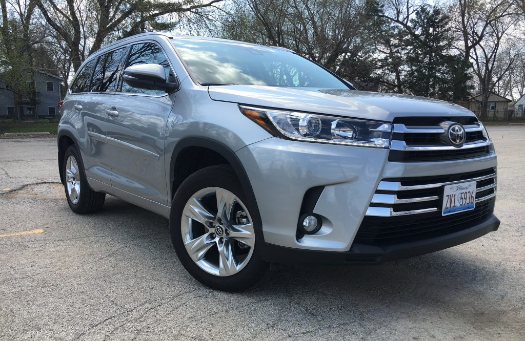 auto review 2017 toyota highlander isn t as fresh as the three row competition jewish news. Black Bedroom Furniture Sets. Home Design Ideas