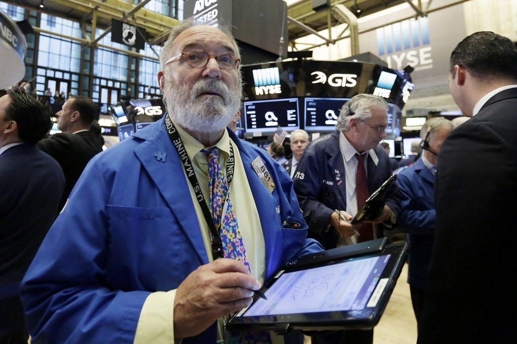 U.S., Stock Indexes, Tick, Higher, Oil, Dismal, Week, Eases