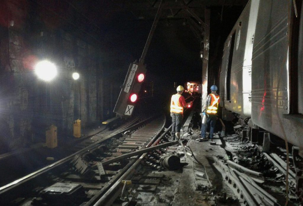 Supervisors, Suspended, NYC, Subway, Derailment, Probe