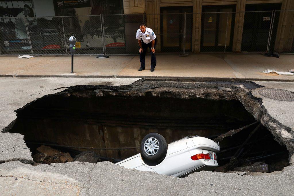 St. Louis car sinkhole