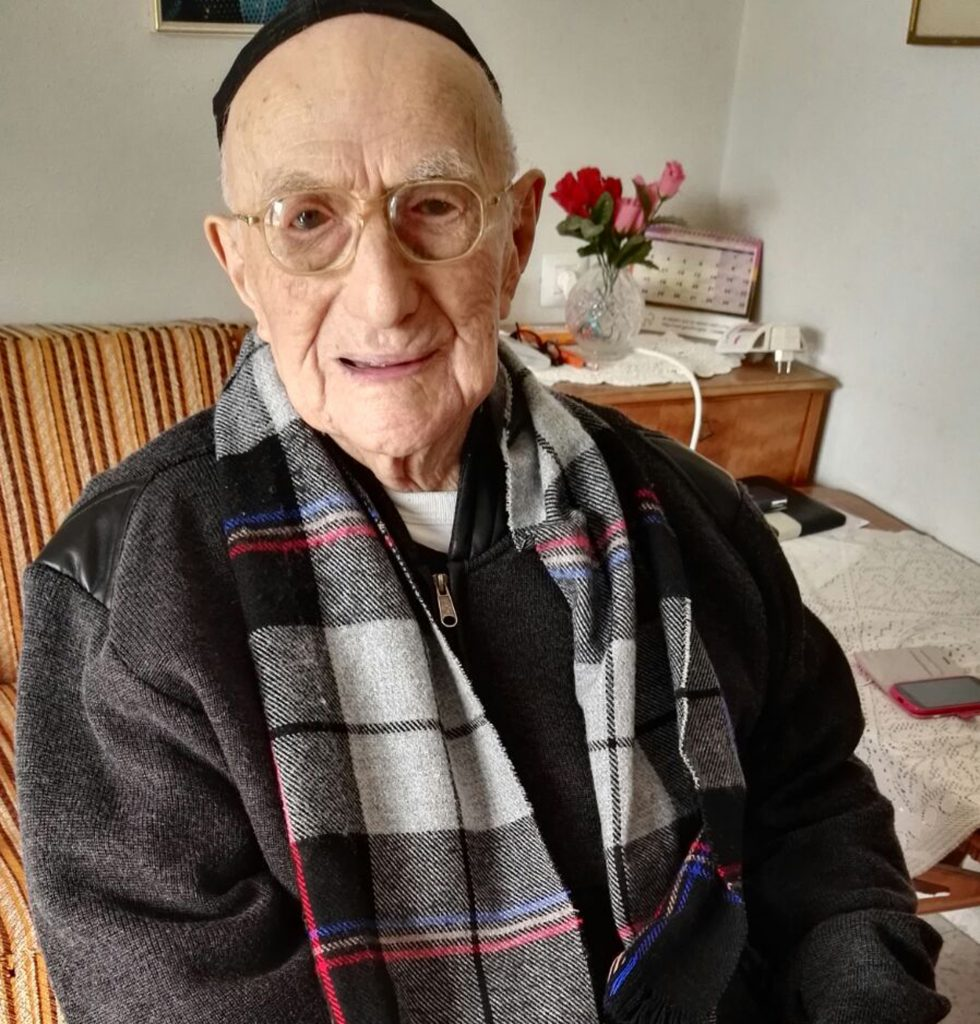 Yisrael Kristal, oldest man, 113