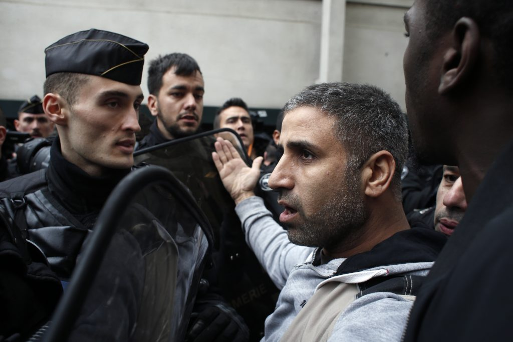 Muslim prayer France