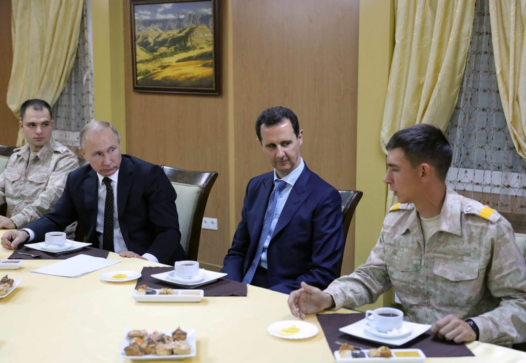 Macron Assad