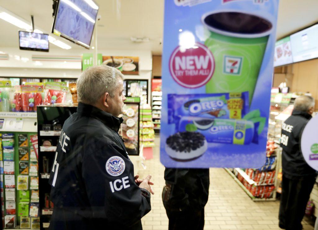 7-Eleven immigration