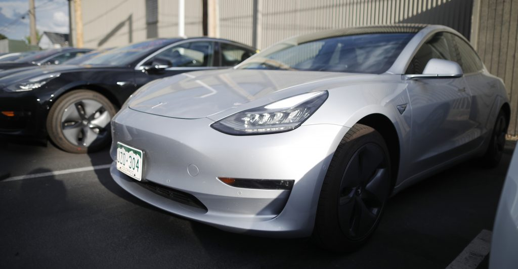 Model 3, Tesla