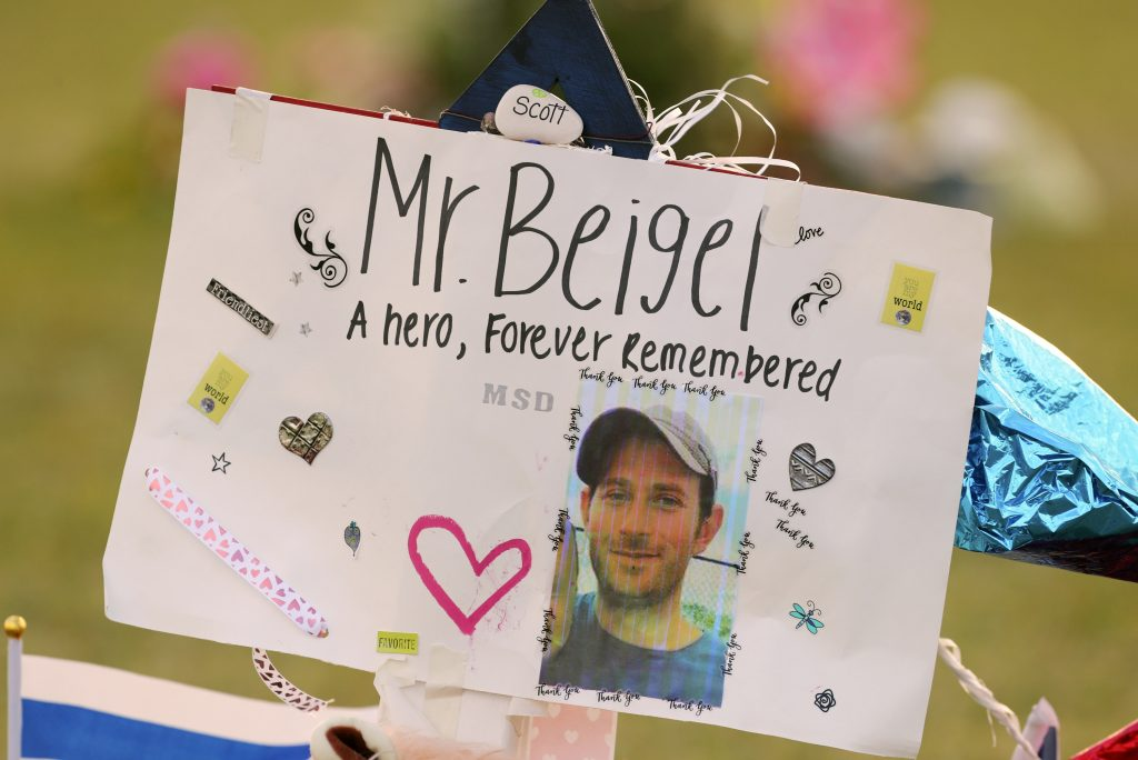 parkland teacher, scott beigel