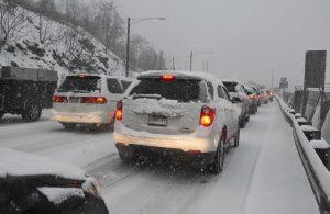 traffic snowstorm