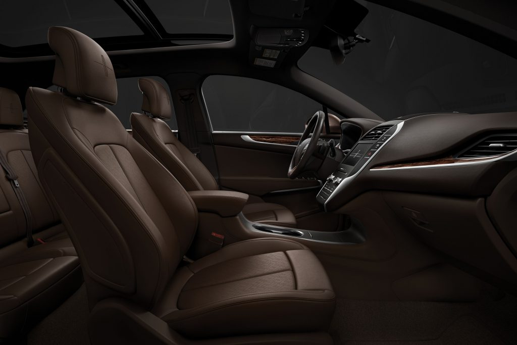 Super Auto Review 2019 Lincoln Mkc Black Label Has New Look And Squirreltailoven Fun Painted Chair Ideas Images Squirreltailovenorg