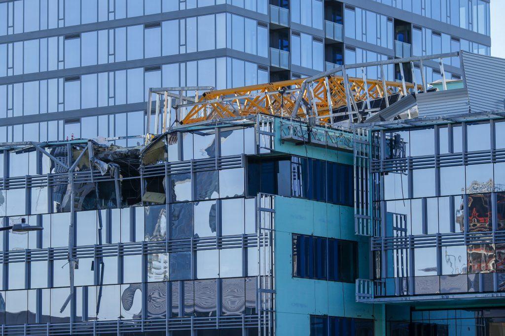 seattle crane
