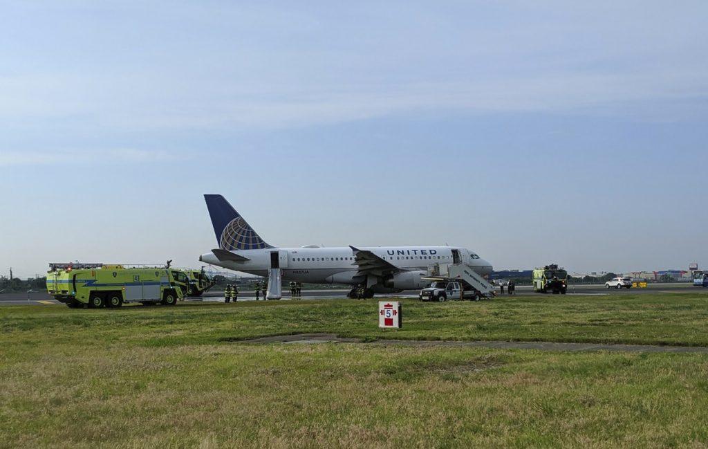 newark emergency landing