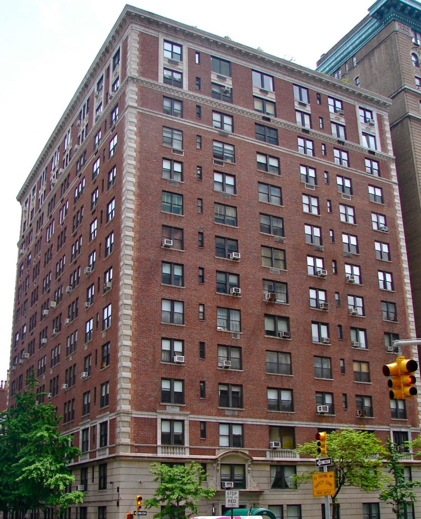 Nyc Apartment Building Sales Plummet With New Rent Law Scaring Off Investors Hamodia Com