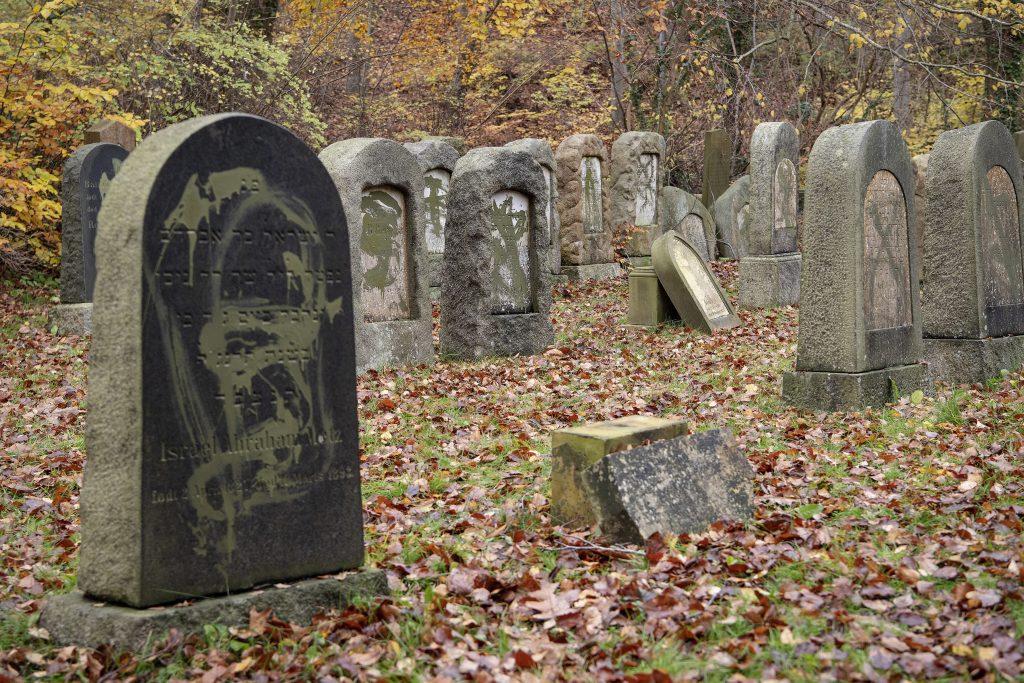 jewish cemetery vandalized, jewish cemetery denmark