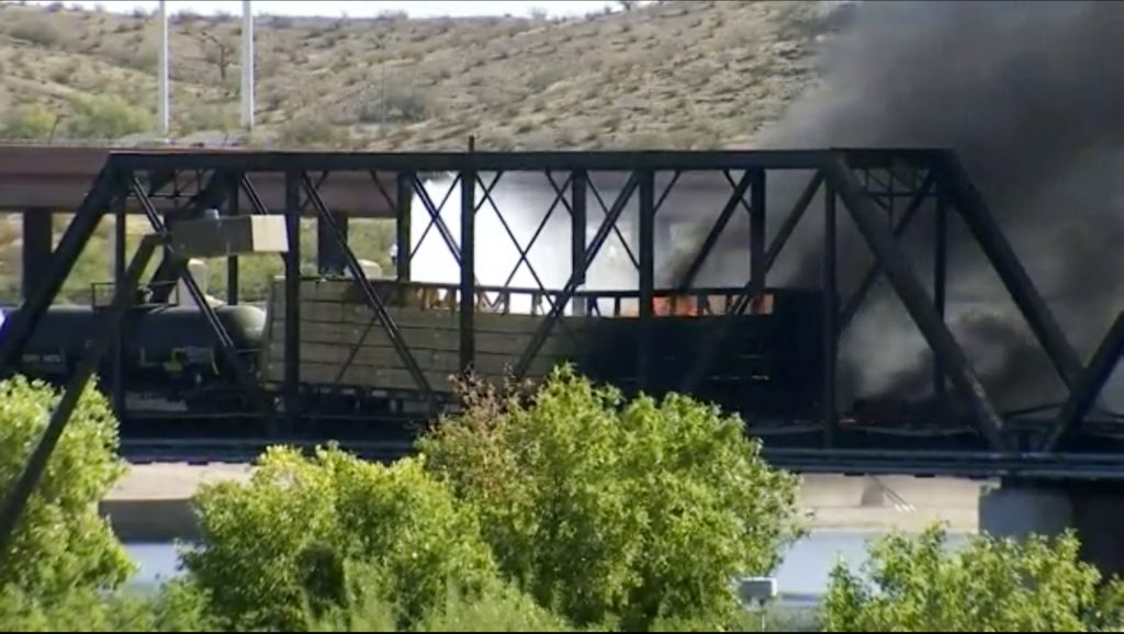 train derailment arizona