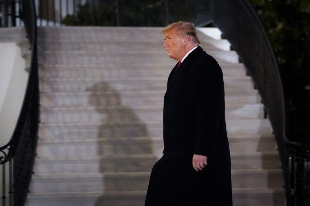 houses votes trump impeachment