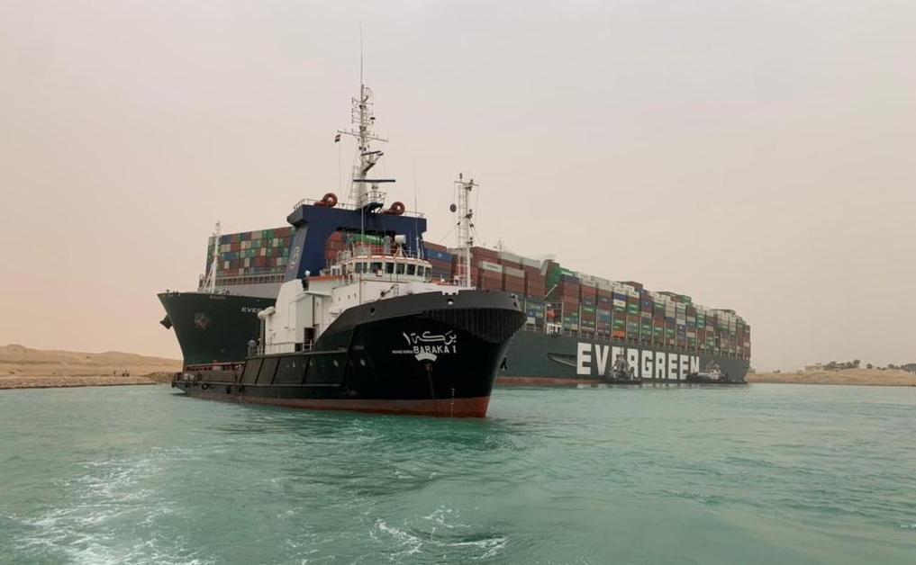 ship stuck suez canal
