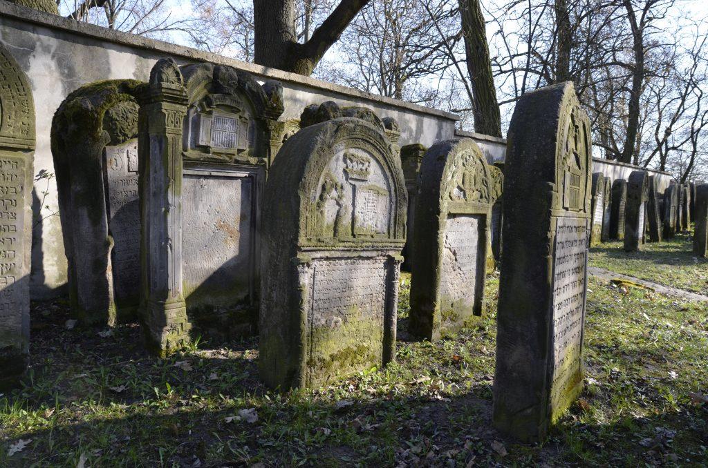 poland jewish cemeteries
